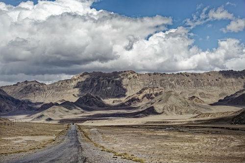 Tayikistan-road