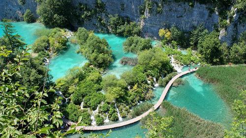 Croatian-lake-landscape