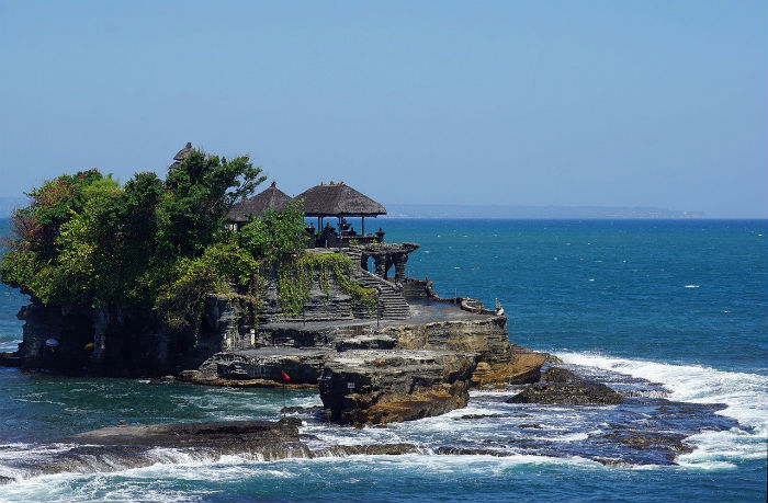 Tanah-lot-temple-Bali-itinerary-7-days