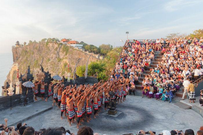 Uluwatu-fuego-baile-Bali-Itinerario-7-días