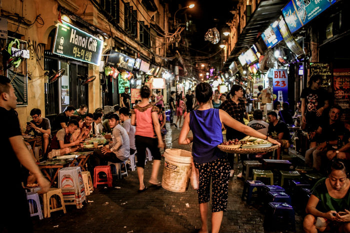 Nightlife-in-hanoi-Vietnam-3-weeks-itinerary