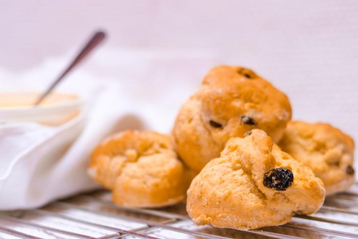 clotted-cream-scone-scotland-10-days-itinerary